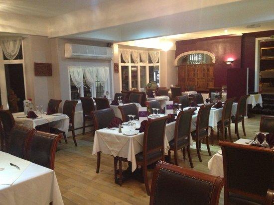 Shahib's: Dining area 2