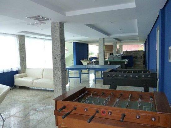Hotel Pousada Experience Joao Fernandes: Amplio salón de juegos