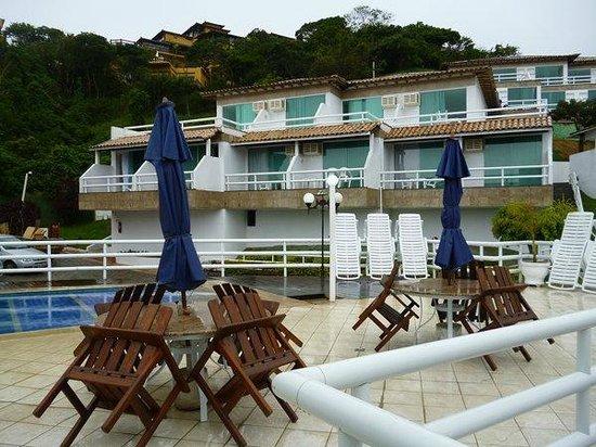 Hotel Pousada Experience Joao Fernandes: Vista de las habitaciones desde la piscina
