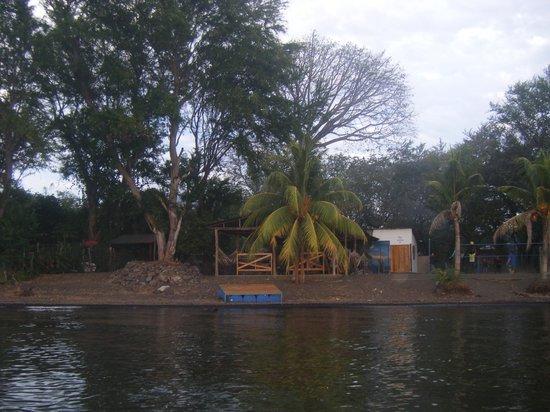 Puesta del Sol: Center communautaire, vu du lac
