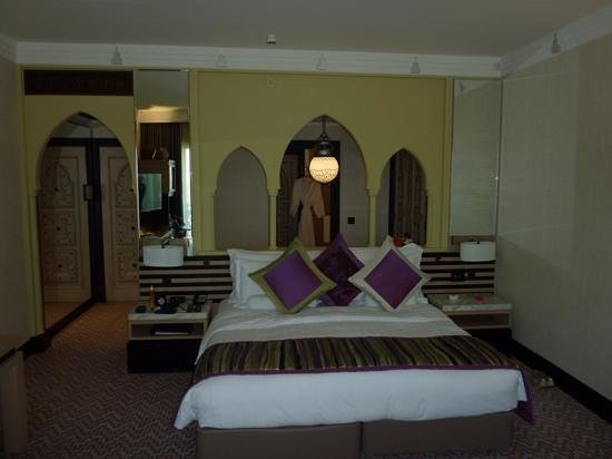 Jumeirah Mina A'Salam: Our room, one of the recently refurbished room, excellent!