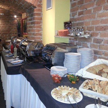 Assenzio: Buffet della colazione