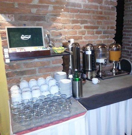 Assenzio: Caffè, latte, succo e thè