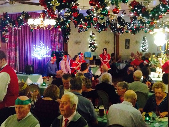Templestowe Hotel: Christmas dinner and entertainment in the dining room!