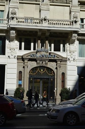 Hotel Atlantico: The entrance of the Hotel. Lovely
