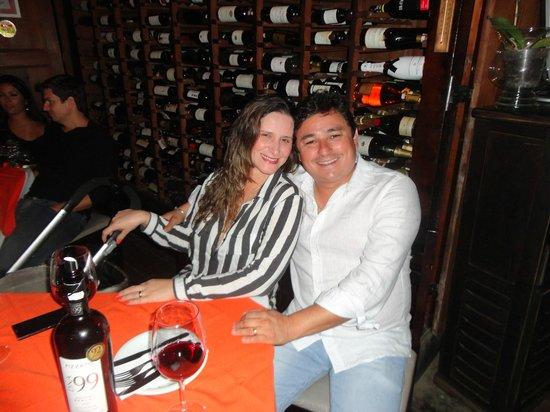 Bordeaux Vinhos: Eu, meu amor e nosso anjinho que está no carrinho.