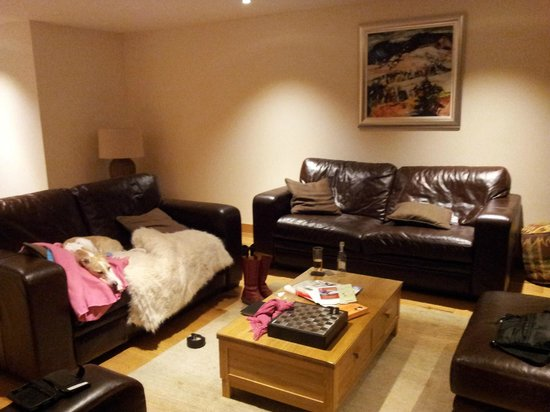 Mains of Taymouth Cottages: living area
