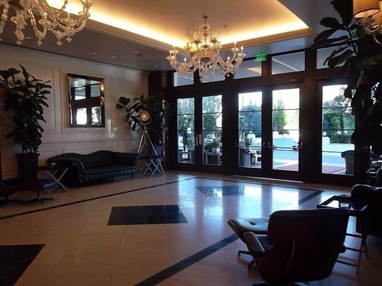 Mr. C Beverly Hills: Lobby