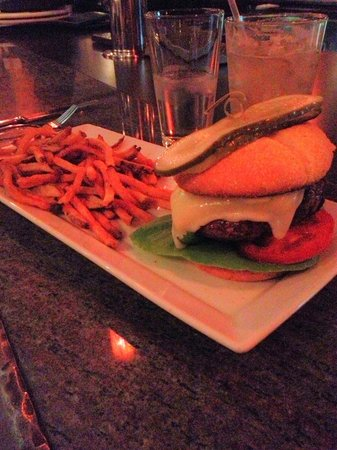 The Artisan at Stonebridge Inn: Milagro Ranch burger with white cheddar and fries