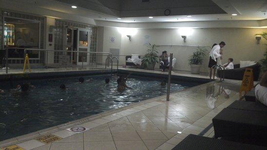 Sheraton Buenos Aires Hotel & Convention Center: piscina aquecida!