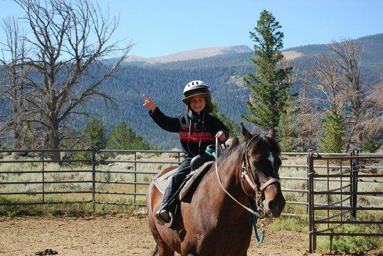 Ring Lake Ranch : Horseback Rides