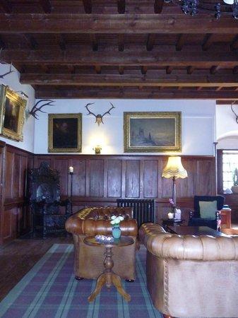 Barcaldine Castle: гостинная, столовая
