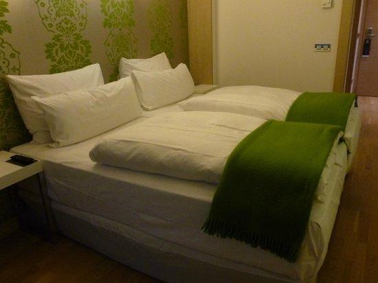 Occidental Praha Five: cama