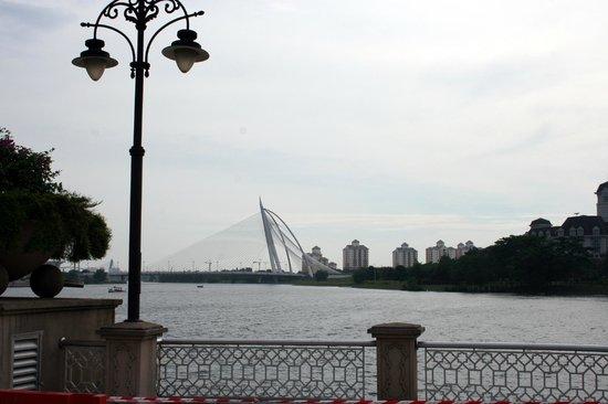 Seri Wawasan Bridge, Putrajaya : Вид на мост