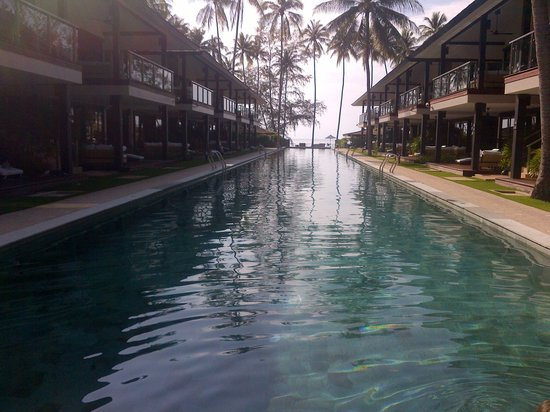 Nikki Beach Resort & Spa: pool long