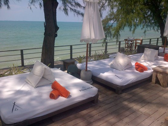 Nikki Beach Resort Koh Samui: main pool area 2