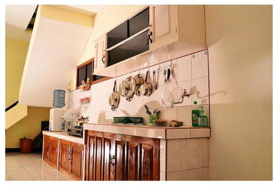 Samagraha Homestay Perabot Dapur