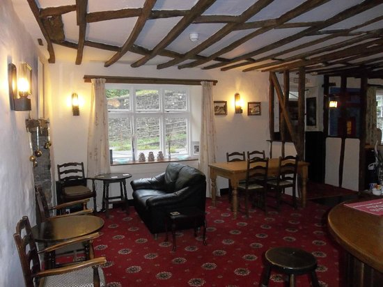 The Portsmouth Arms Inn: Cosy Lounge Bar