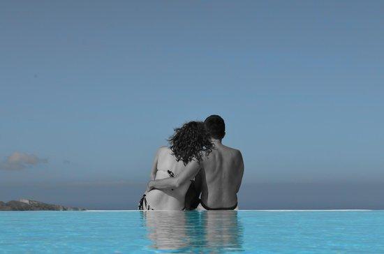 Anastasis Apartments: infinity pool