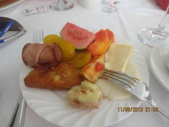 Memories Paraiso Beach Resort: Breakfast buffet