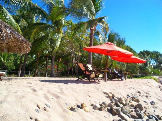 Los Raqueros : Beach Front