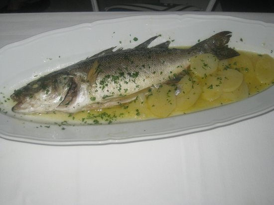 Ristorante D'Amore: Whole Fish on the bone