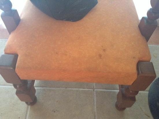 Mision Comanjilla: falta un poco de limpieza en muebles