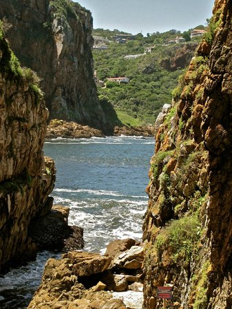 Knysna, Sydafrika: a hole in the rocks