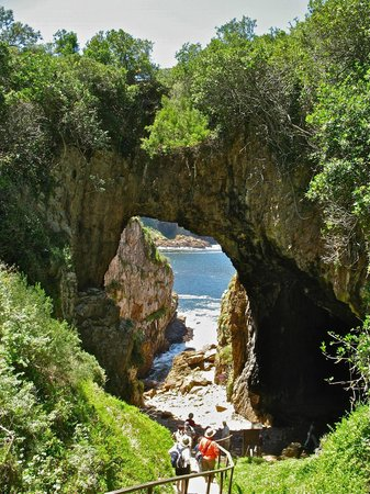 Knysna, Zuid-Afrika: Cave like entry