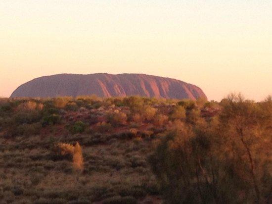 Voyages Ayers Rock Resort: Uluru at sunset
