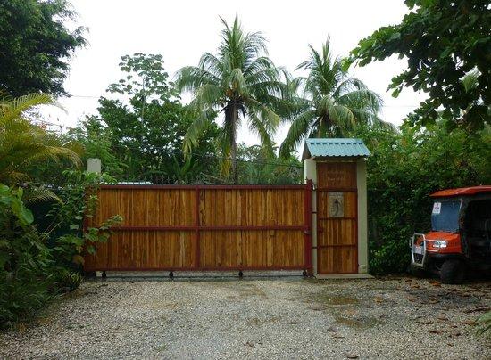 Villas Solar: Very secure yard
