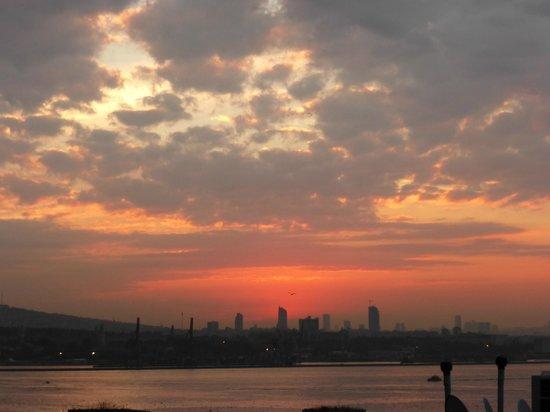 Osmanhan Hotel: Rooftop sunset