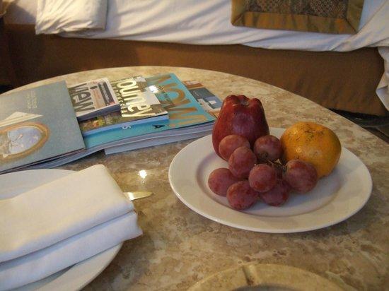 The Sultan Hotel & Residence Jakarta: fruit