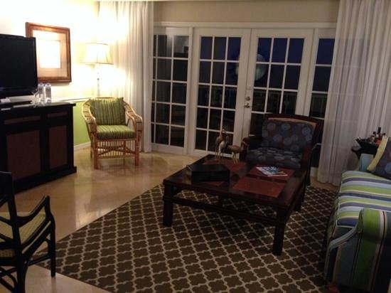 Ocean Key Resort & Spa : living area