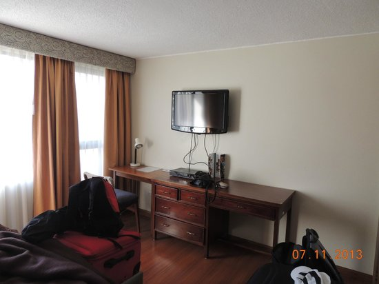 Embassy Hotel: Dormitorio