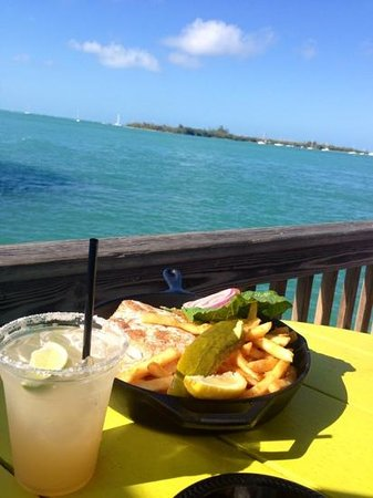Ocean Key Resort & Spa : lunch on the pier at the hotel