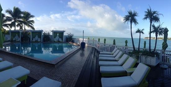Ocean Key Resort & Spa : pool area early morning