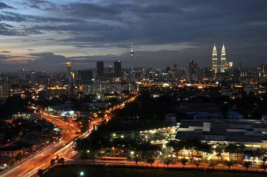 Cempaka Apartment Hotel: View from room (City view)