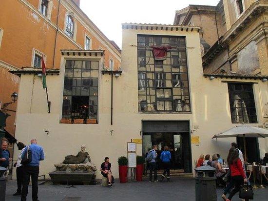 Via del Babuino e dintorni: Via del Babuino, Caffe Canova Tadolini