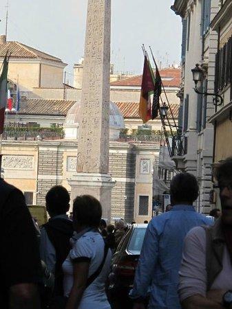 Via del Babuino e dintorni: Via del Babuino, heading towards Piazza del Popolo