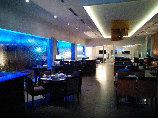 Mykonos Hotel & Convention Center : Restaurant