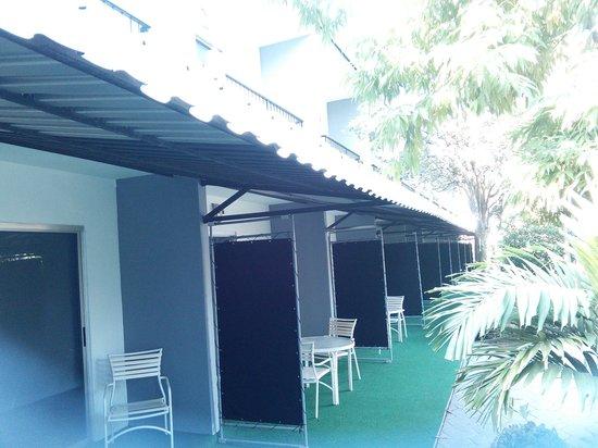 Riande Aeropuerto: Looks like a cheap motel