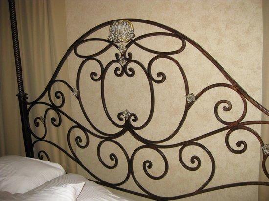 AmishView Inn & Suites: Bed