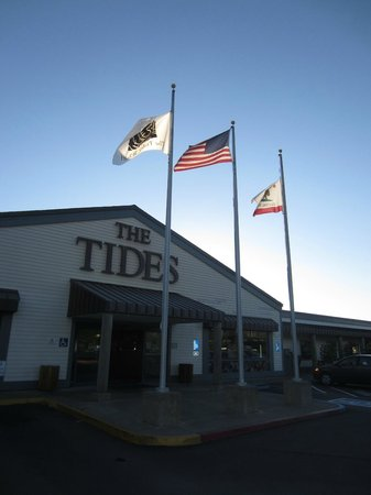 The Tides Wharf Restaurant: Don't pass up this place in Bodega for a fabulous meal!