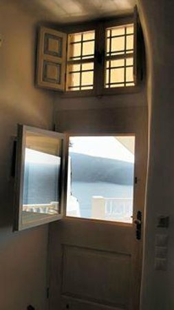 Art Maisons Luxury Santorini Hotels Aspaki & Oia Castle : Marine Suite - Door