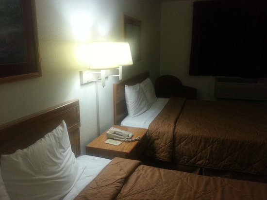 Motel 6 Barkeyville: Room 117