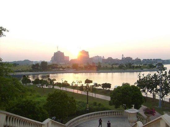 Putrajaya Lake : Вид на жилые кварталы