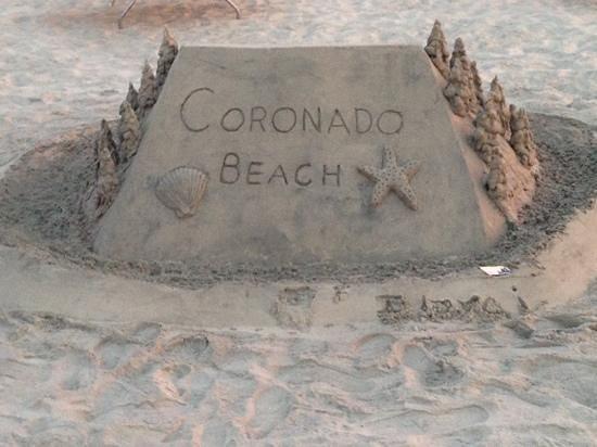 Hotel del Coronado : Another sand castle