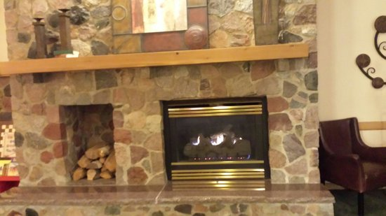 Boarders Inn & Suites by Cobblestone Hotels Faribault, MN : Warm