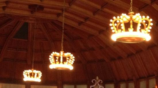 Crown Room Brunch at Hotel del Coronado: Chandaliers in the Crown Room